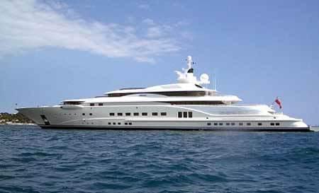 Siêu du thuyền Pelorus 377 feet hiện nay của Abramovich sẽ sớm bị lu mờ trước chiếc Eclipse. Ảnh: Daily Mail.