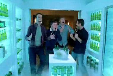 Một quảng cáo khá hài hước của Heineken.