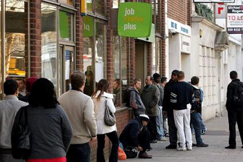 Lạm phát tại Anh tăng 3,5% trong tháng 1/2010, mức cao nhất trong vòng 14 tháng qua, sau khi Chính phủ nước này quyết định tái áp dụng mức thuế giá trị gia tăng (VAT) 17,5%. Chỉ số giá bán lẻ (bao gồm cả bất động sản) tại thị trường này cũng tăng 3,7%.