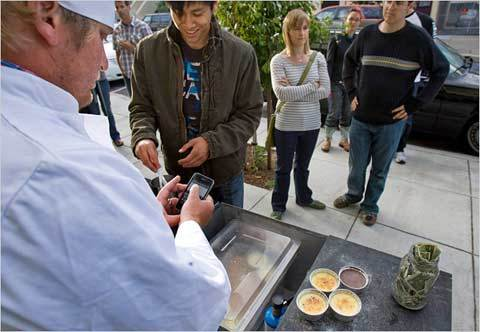 Curtis Kimball, owner of a crème brûlée cart in San Francisco, uses Twitter to drive his customers to his changing location.