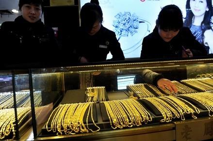 Bị hạn chế xuất vàng miếng, doanh nghiệp tìm cách xuất nữ trang hàm lượng cao. Ảnh minh họa: Daylife