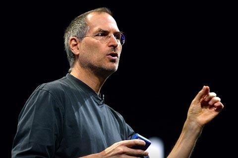 Jobs trong một buổi giới thiệu sản phẩm của Apple.