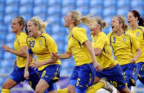 swedenwoment-467891-1370891094_500x0.jpg