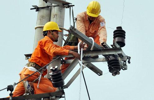 Ngành điện lỗ nhưng Tổng Công ty Điện lực miền Nam vẫn cho hàng trăm cán bộ đi nước ngoài. Ảnh: Hoàng Hà