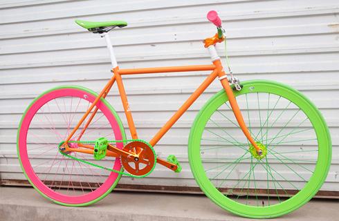 Không chỉ chất lượng, người chơi xe đạp cũng quan tâm nhiều tới mẫu mã và tính thẩm mỹ của sản phẩm. Ảnh: Jasper James