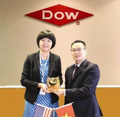 Karofi Việt Nam ký hợp tác đồng phát triển thương hiệu