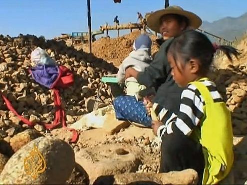 myanmar 7 1367511296 500x0 Tìm hiểu về mỏ vàng tài nguyên tại Myanmar