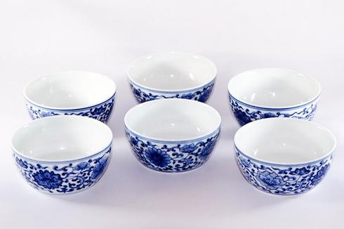Đồ sứ men xanh truyền thống của Trung Quốc. Ảnh: Wanling Tea House
