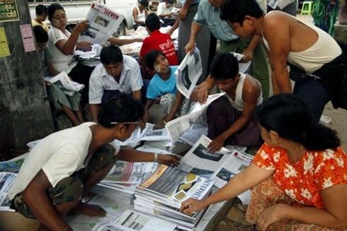 myanmar news 490 1367511698 500x0 Báo chí tư nhân tái xuất ở Myanmar trong thời gian tới