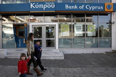 Kinh tế Châu Âu ngày càng lún sâu vào khủng hoảng