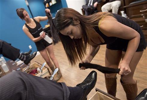 danh giay1 1367506356 500x0 Tìm hiểu về dịch vụ đánh giày sexy tại New York