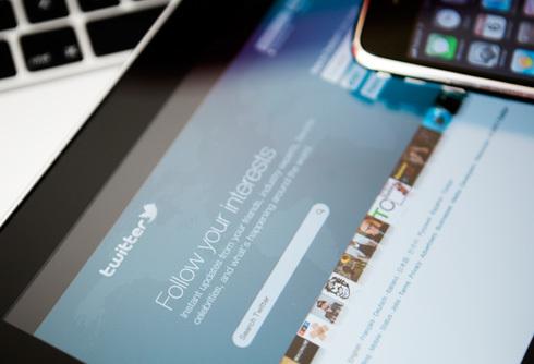 Doanh thu quảng cáo tốt đang nâng giá của Twitter.