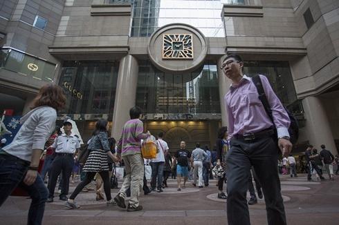 hong kong 490 827888120 1368488332 500x0 Mặt bằng bán lẻ Hong Kong đắt nhất thế giới