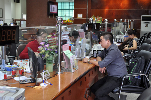 ngan-hang-7-aq500-1273-1379648620.jpg