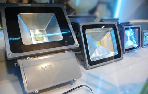 LED-4-JPG-7723-1381140180.jpg