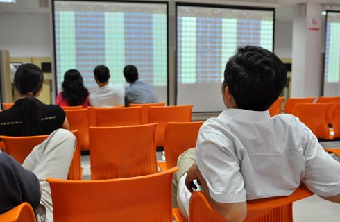 chung-khoan-Nhat-Minh-6980-1381208575.jp