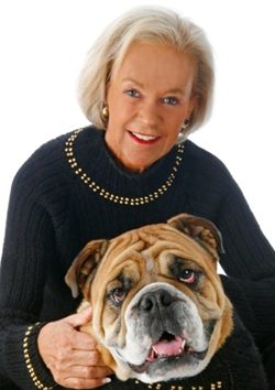 CarolSweatet 1 9093 1401942376 Bí quyết kiếm triệu USD nhờ làm thiệp in ảnh chó
