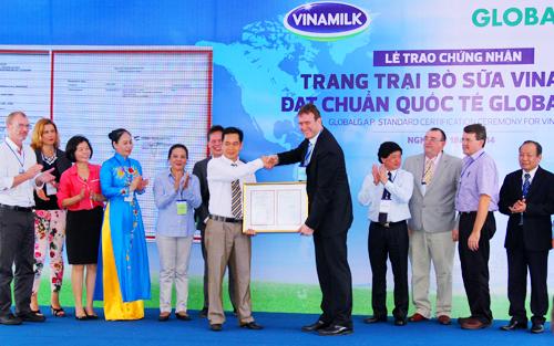 Vinamilk là doanh nghiệp sữa đầu tiền tại Đông Nam Á đạt chứng nhận Global G.A.P.