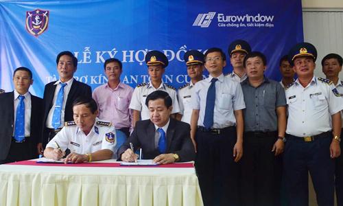 Eurowindow trang bị kính cường lực cho tàu Cảnh sát biển