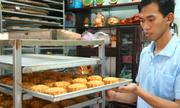 Lãi trăm triệu từ lò bánh Trung thu truyền thống Sài Gòn