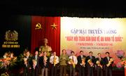 Vietcombank nhận kỷ niệm chương 'Bảo vệ an ninh'