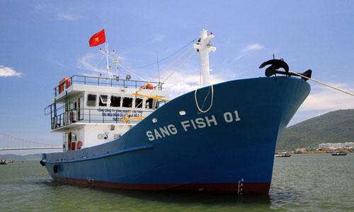 Doanh nghiệp lấy tàu cá làm 'phao'