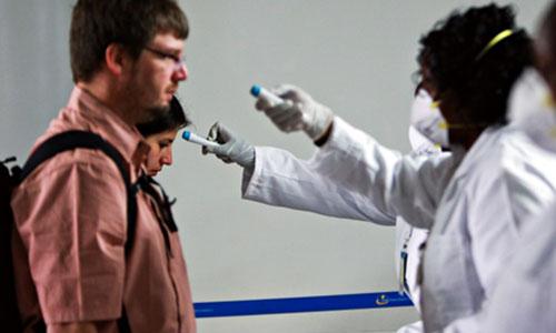 ebola-hang-khong-4684-1408847844.jpg