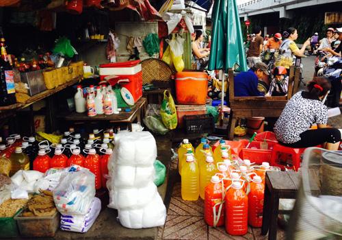 Tương ớt Sài Gòn 5.000 đồng một lít
