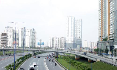 Địa ốc mượn cao tốc, metro để kích cầu