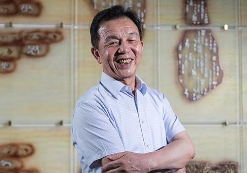 Hui Lin Chit 7020 1415608859 Thành tỷ phú từ sản phẩm vệ sinh