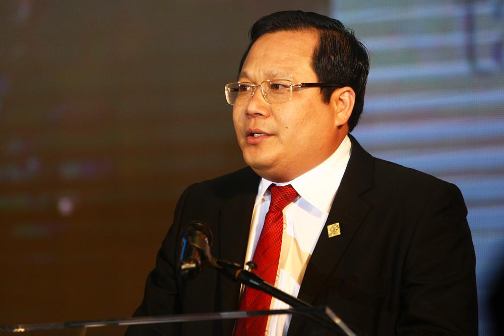 Tổng giám đốc Sacombank - Phan Huy Khang phát biểu sau khi nhận danh hiệu My Ebank