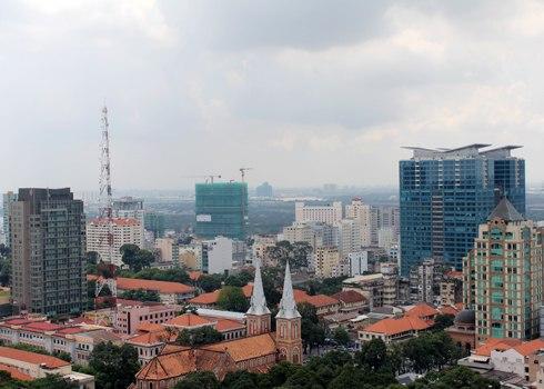Bán nhà mặt tiền Sài Gòn tậu biệt thự vùng ven