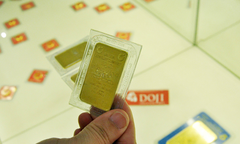 Giá vàng xuống dưới 1.190 USD