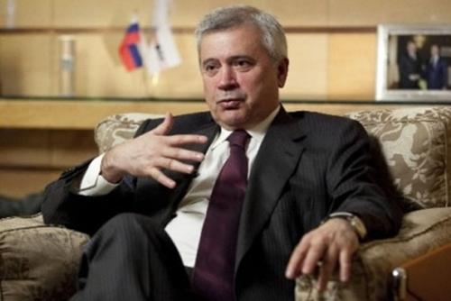 Vagit Alekperov 5067 1418879972 Tỷ phú Nga Leonid Mikhelson mất 50 tỷ USD trong năm