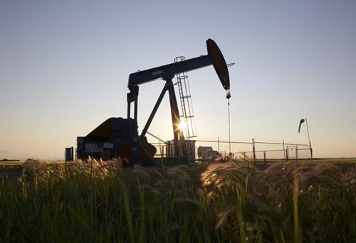 Giá dầu có thể xuống 20 USD một thùng?