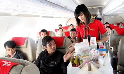 Vietjet Air thu 289 tỷ đồng từ bán mỳ tôm, gấu bông