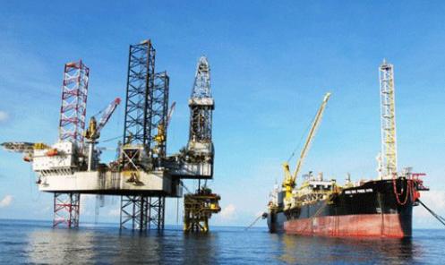 Xuất nhập khẩu xăng dầu giảm mạnh tháng đầu năm