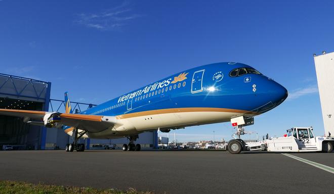 Vietnam Airlines sơn logo mới cho máy bay A350