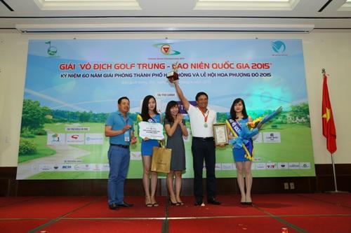 TPBank trao giải vô địch golf trung, cao niên quốc gia 2015