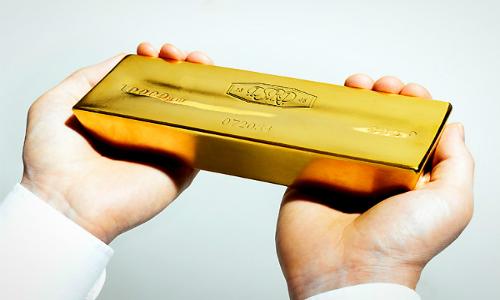 Gold-bar-in-hand-jpeg-4302-1433466431.jp