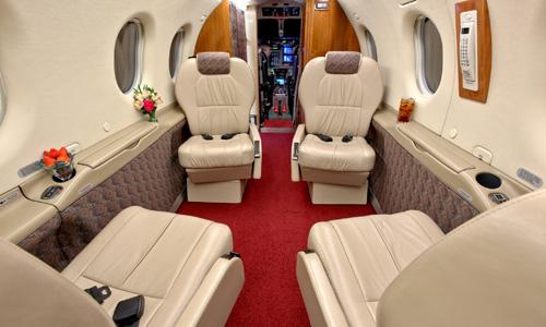 Pilatus PC 12 9891 1435918914 Tìm hiểu về dịch vụ bay chuyên cơ giá rẻ
