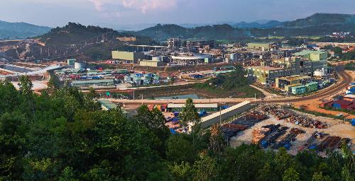 Dự án khai thác và chế biến khoáng sản Núi Pháo nằm trên địa bàn huyện Đại Từ, tỉnh Thái Nguyên. Với trữ lượng khoảng 52,5 triệu tấn quặng vonfram, florit, bismut và đồng, đây là một trong những dự án khai khoáng lớn nhất Việt Nam.Sau 5 năm Masan Resources tái khởi động với mức đầu tư trên 500 triệu USD, dự án Núi Pháo hoạt động theo nguyên tắc phát triển bền vững, gắn kết cộng đồng và đảm bảo các bên liên quan đều được chia sẻ lợi ích từ dự án. Công ty đã tuân thủ các quy định và áp dụng nguyên tắc xích đạo của các tổ chức quốc tế như Ngân hàng Thế giới trong việc thực hiện công tác môi trường, bồi thường, tái định cư và các yêu cầu về trách nhiệm xã hội khác.