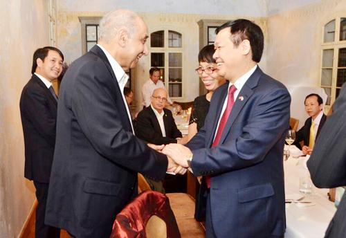 Buổi gặp mặt thân mật giữa phái đoàn Việt Nam và Israel.