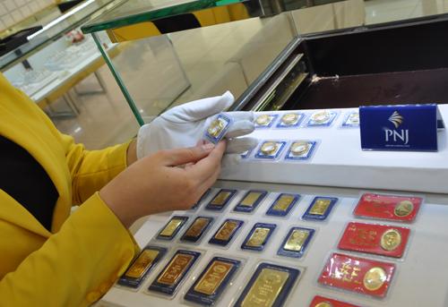 Giá vàng SJC giảm hơn nửa triệu đồng trong tháng 1