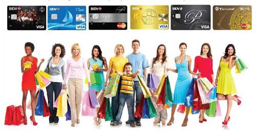 Khách hàng có thể liên hệ với trung tâm chăm sóc khách hàng theo số điện thoại 19009247 hoặc tới bất kỳ chi nhánh nào của BIDV trên toàn quốc để được tư vấn hướng dẫn phát hành thẻ.