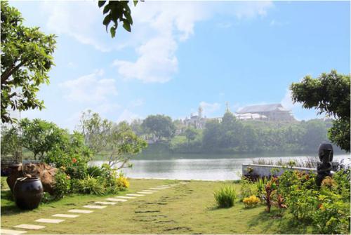 Vnexpress: Đại lễ Vu Lan tại Công viên nghĩa trang Thiên Đức