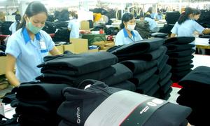 Doanh nghiệp dệt may được sản xuất quân phục nước ngoài