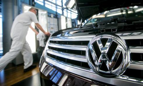 Cổ phiếu Volkswagen mất 20% vì bê bối gian lận