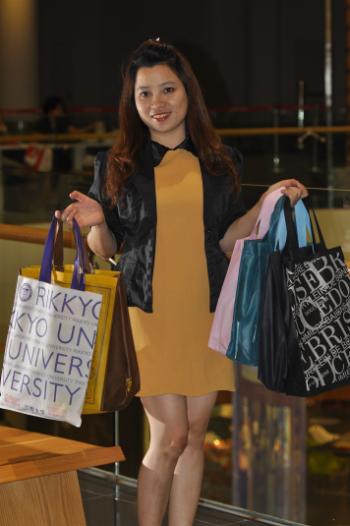 Cô gái Bạc Liêu kinh doanh túi vải không dệt
