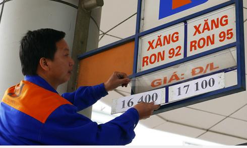 Giá xăng có thể tiếp tục giảm chiều nay